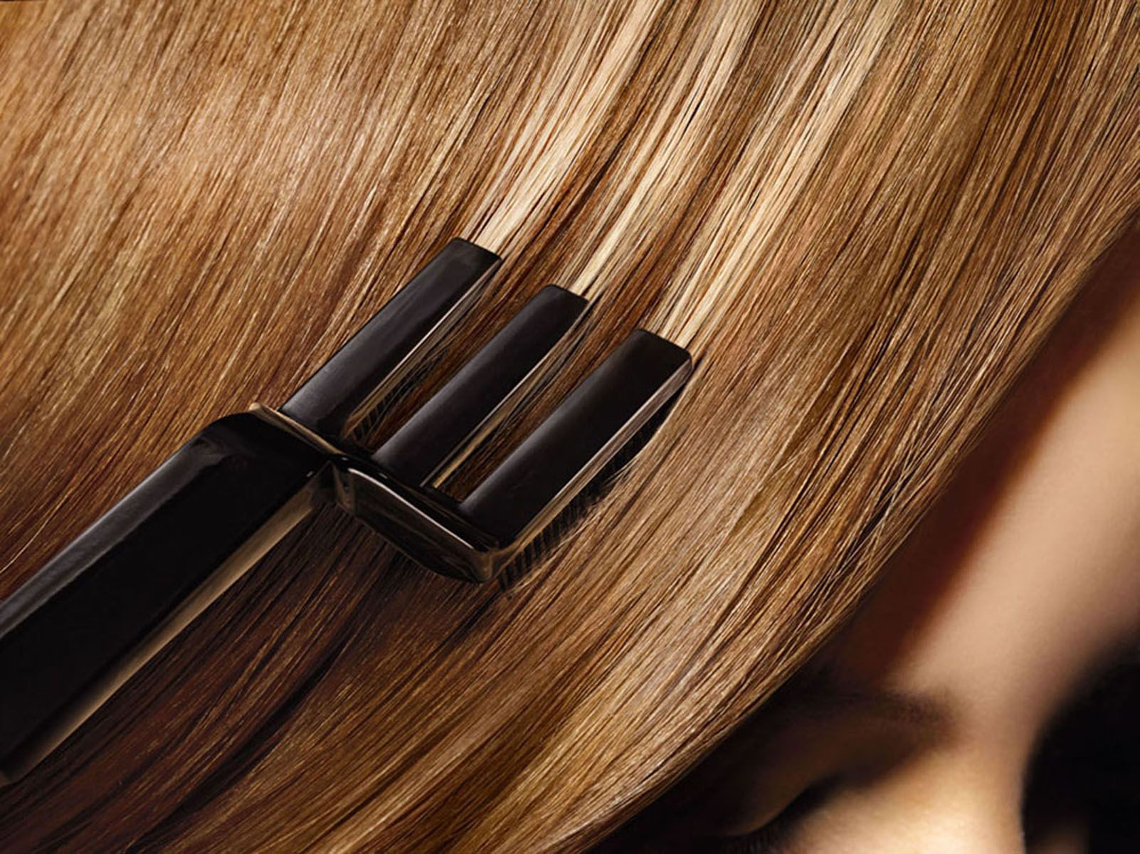 Как реанимировать повреждённые после летнего отпуска волосы