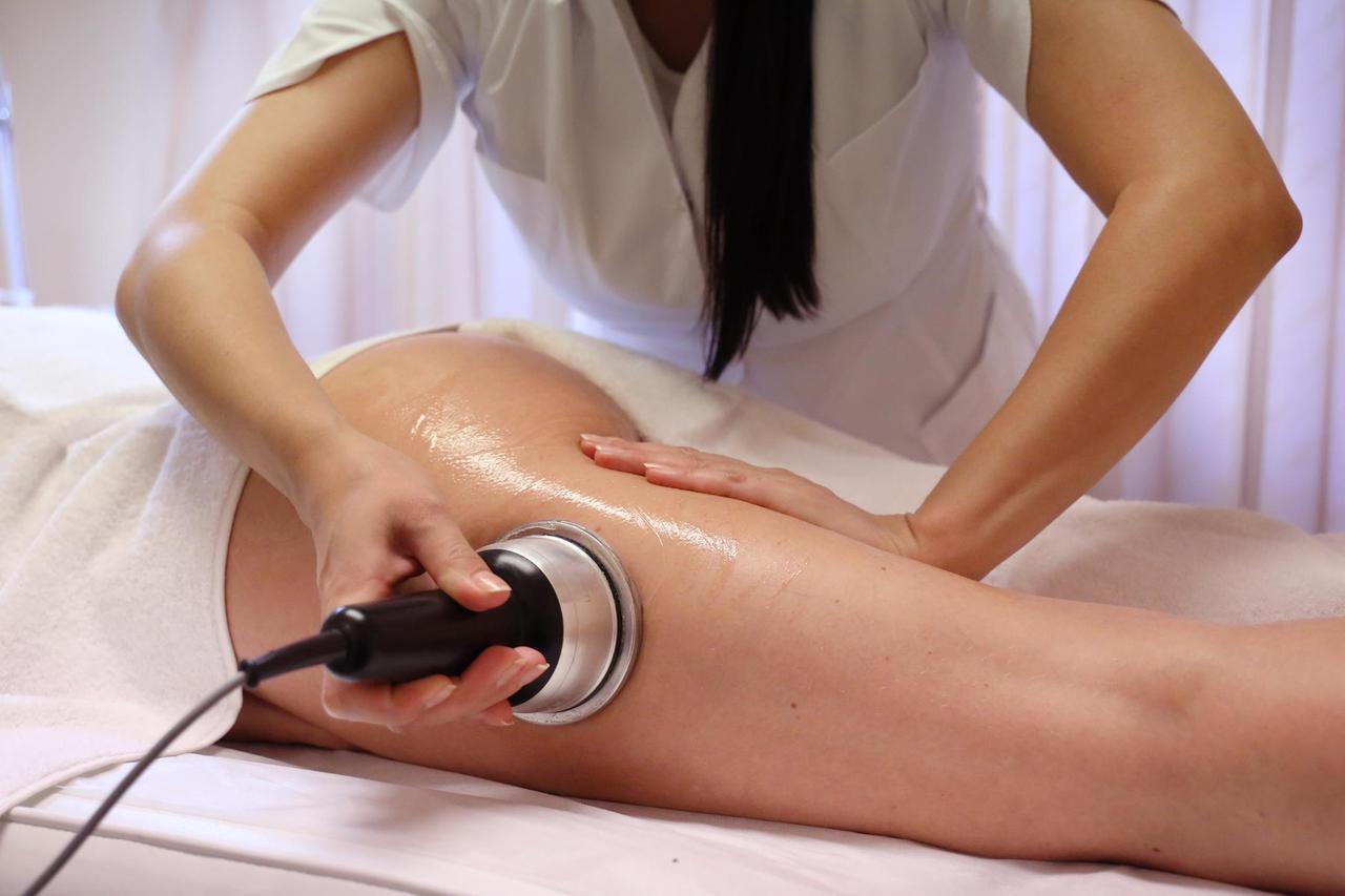 Как с помощью кавитации бороться с проявлениями целлюлита на ногах