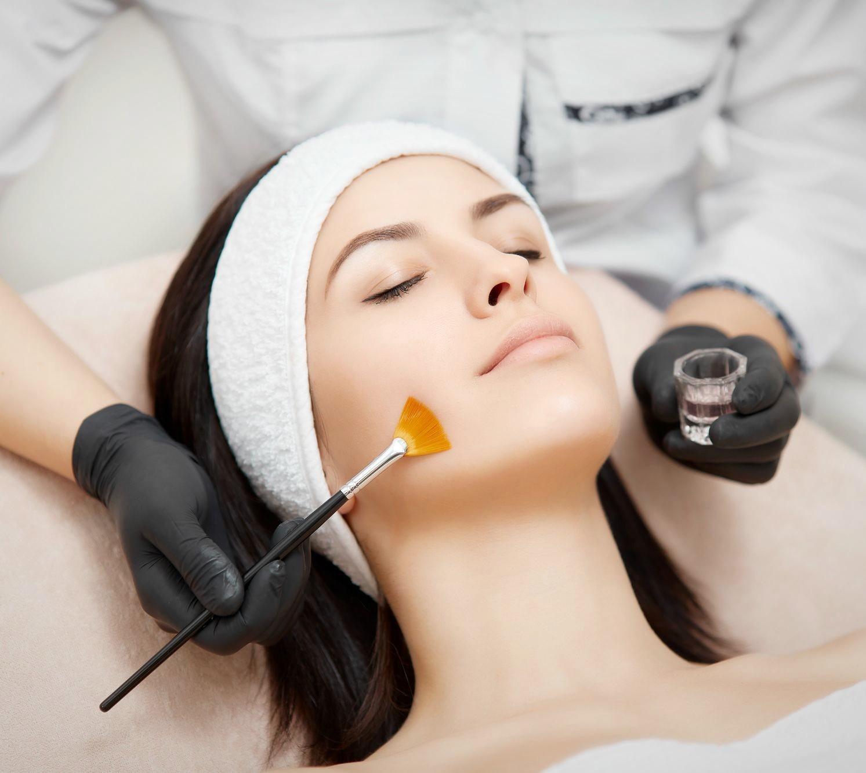 Как сходить к косметологу и не пожалеть: выбираем специалиста правильно