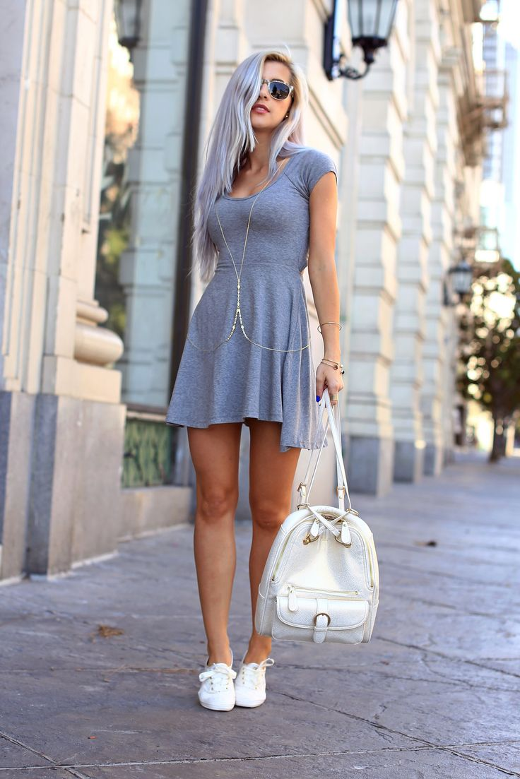 Как сочетать нежное платье с кроссовками