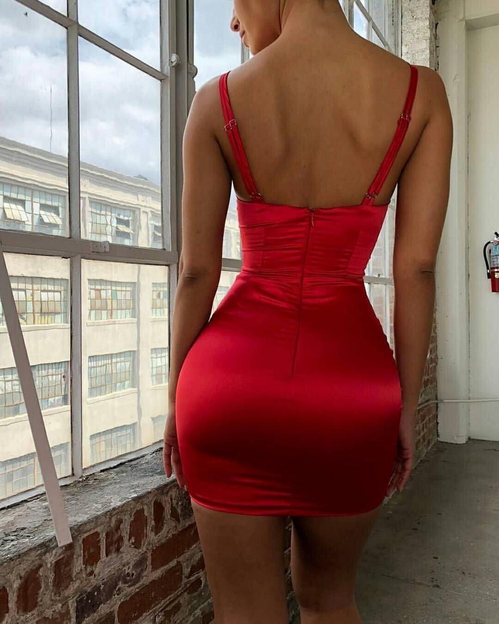Какие платья безвозвратно вышли из моды. Смело выбрасываем