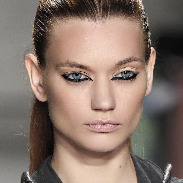 Какой макияж состарит даже молодую девушку