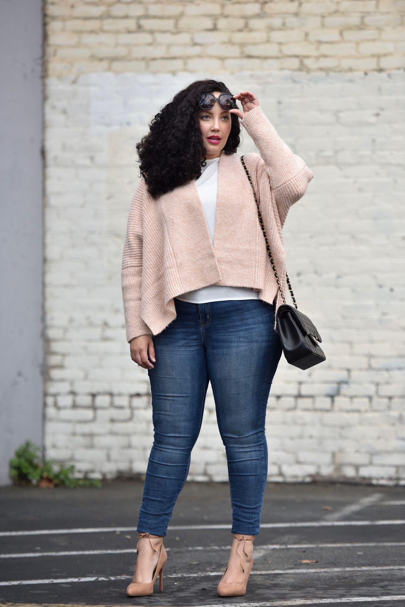 5 стильных образов полных женщин в размере оверсайз