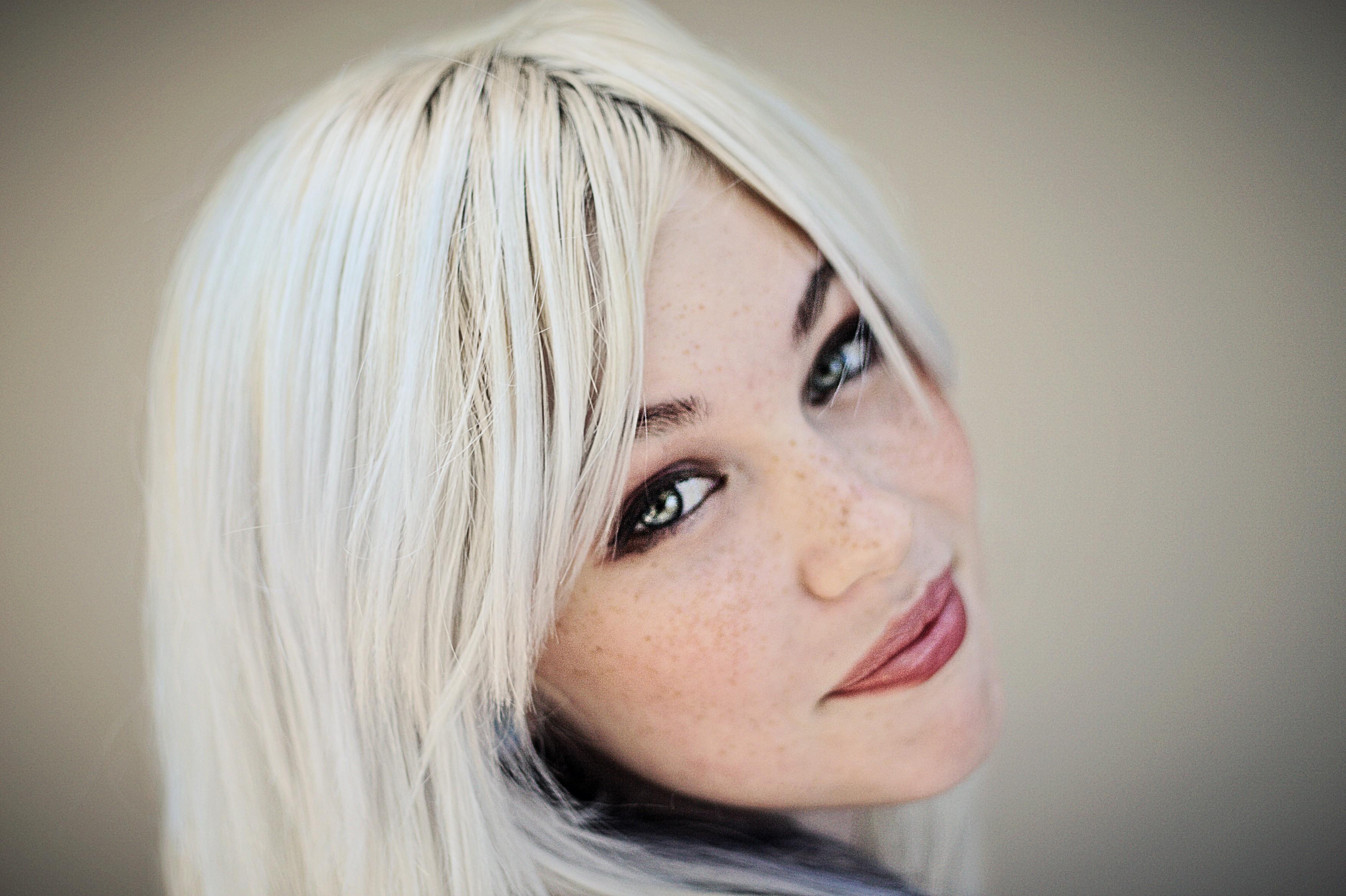 Почему большинству женщин стоит отказаться от окрашивания в блонд