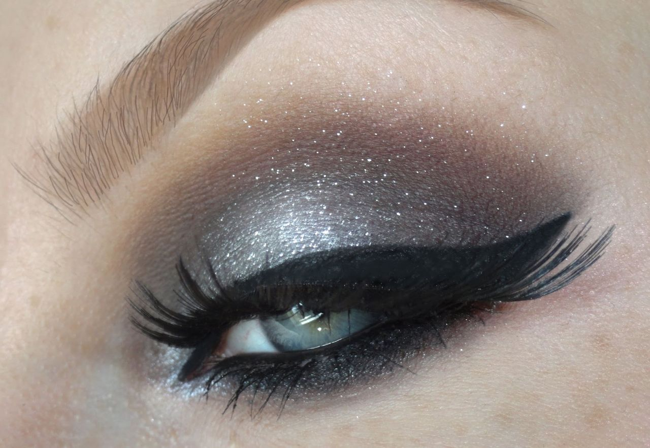 Пять идей для макияжа серых глаз