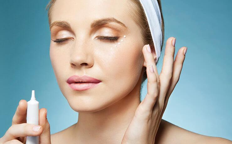 Чем отличается крем для кожи вокруг глаз от крема для лица. Стоит ли переплачивать