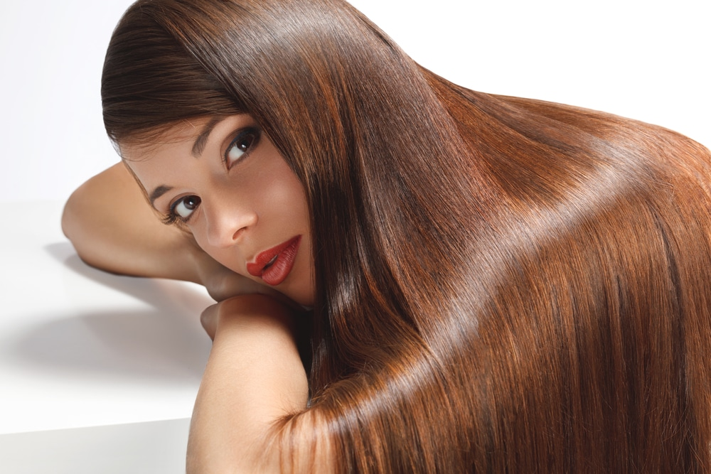Почему яичные маски не спасут волосы от сухости