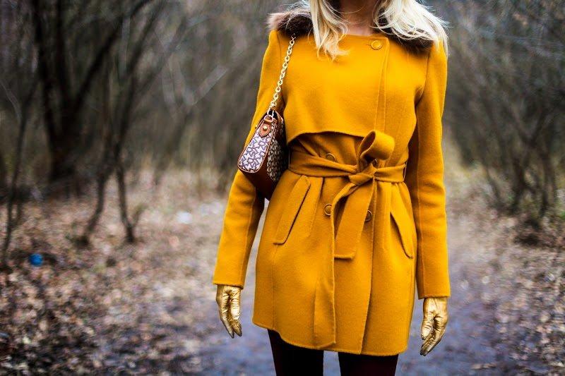 7 оттенков одежды, которые зрительно освежат и омолодят