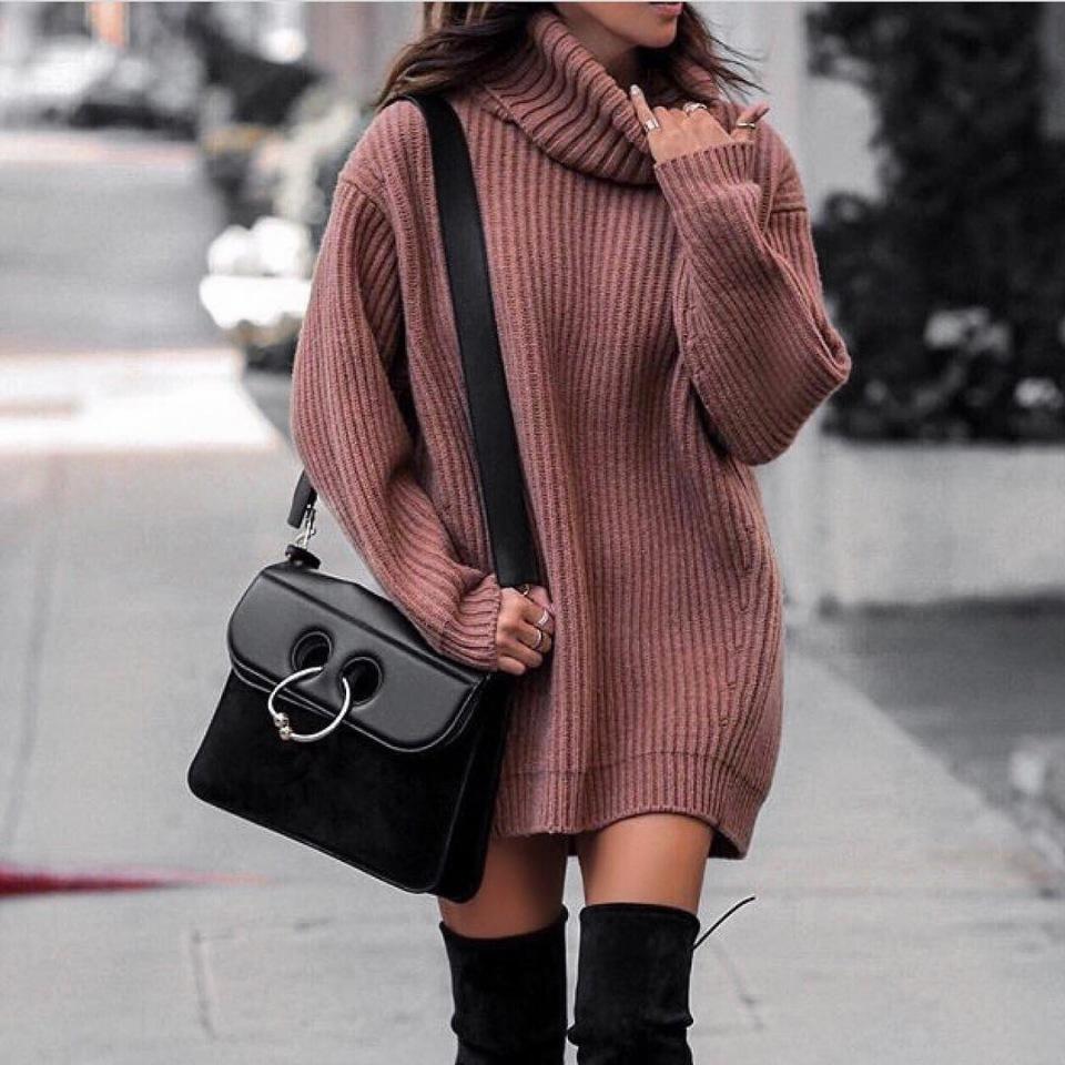 Как оставаться женственной даже в оверсайз. 7 образов со свитером