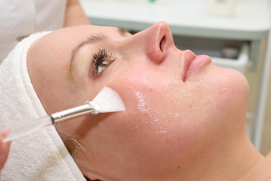 Почему нельзя пользоваться скрабом для лица больше 1 раза в месяц и чем заменить