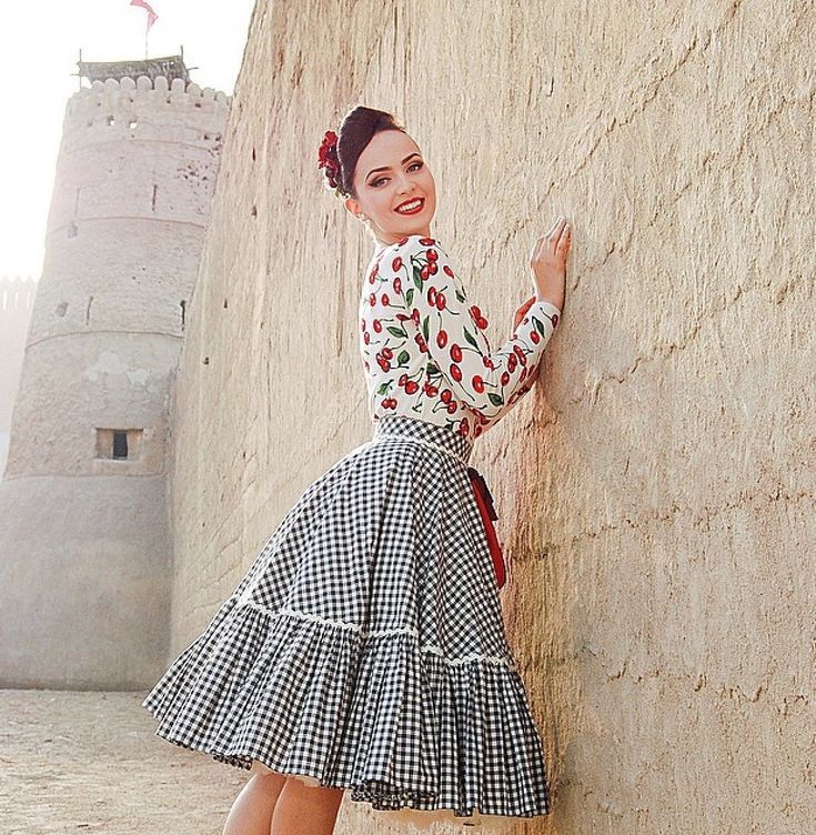 5 необычных, но очень эффектных фасонов платья на весну