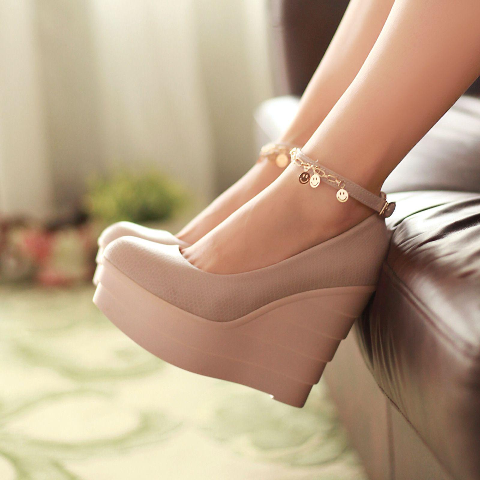 Какую обувь уже не стоит надевать в офис и на что заменить