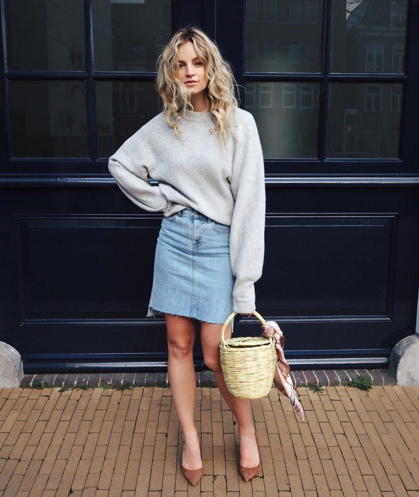 3 способа носить джинсовую юбку женщине после 40 лет и не выглядеть простушкой