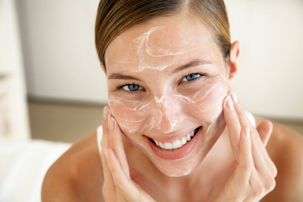 5 способов защитить и предотвратить сухость и шелушение кожи зимой