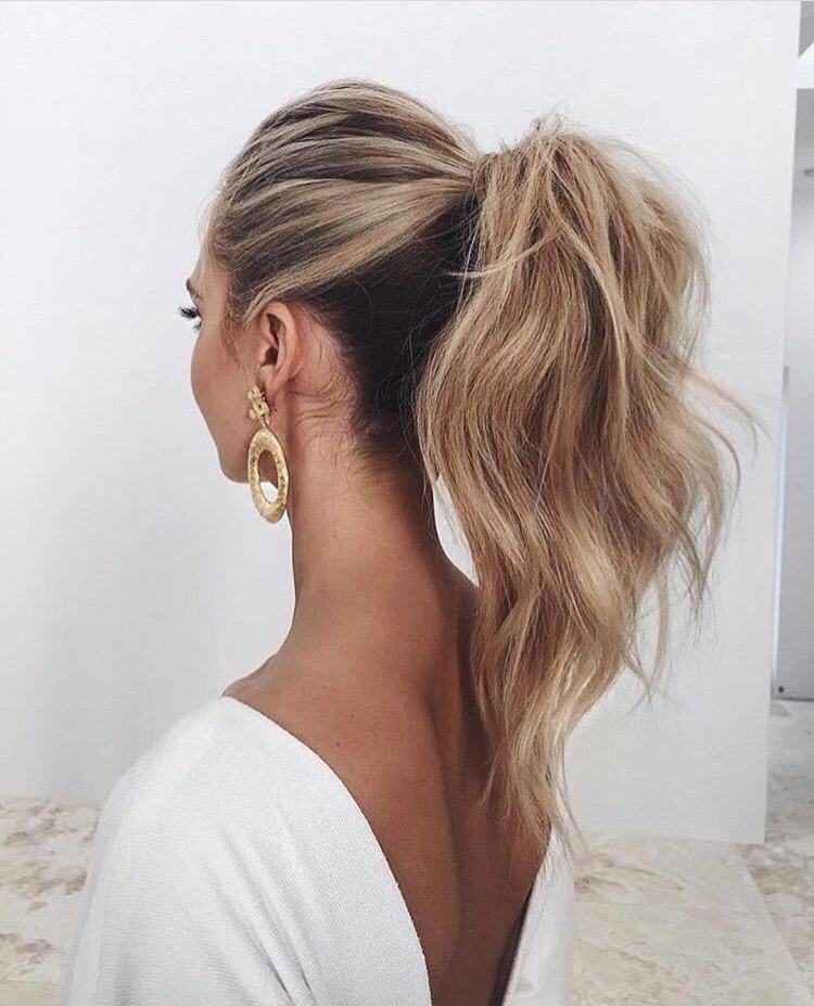 5 причёсок на случай, если не успели помыть голову