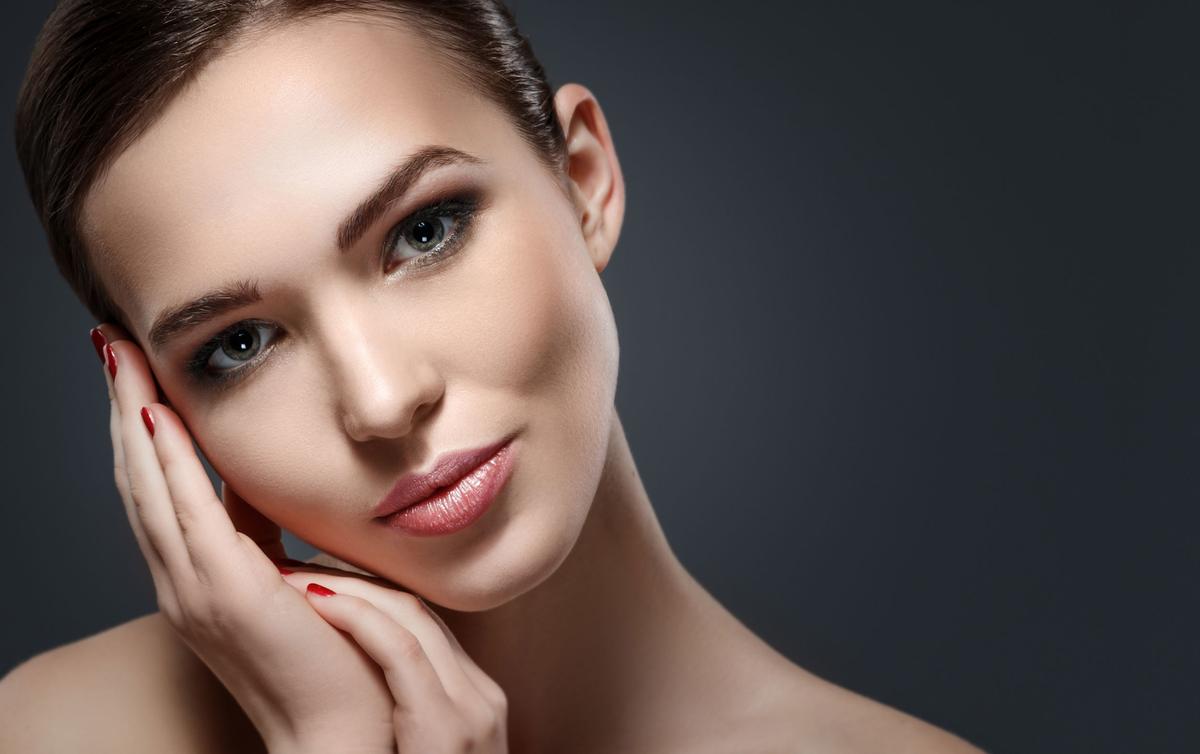 Как правильно увлажнять кожу перед сном, чтобы утром выглядеть гораздо свежее