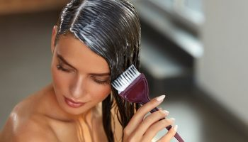Как окрасить волосы самостоятельно, не испортив их