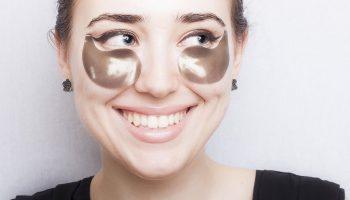Как использовать патчи под глаза с максимумом пользы