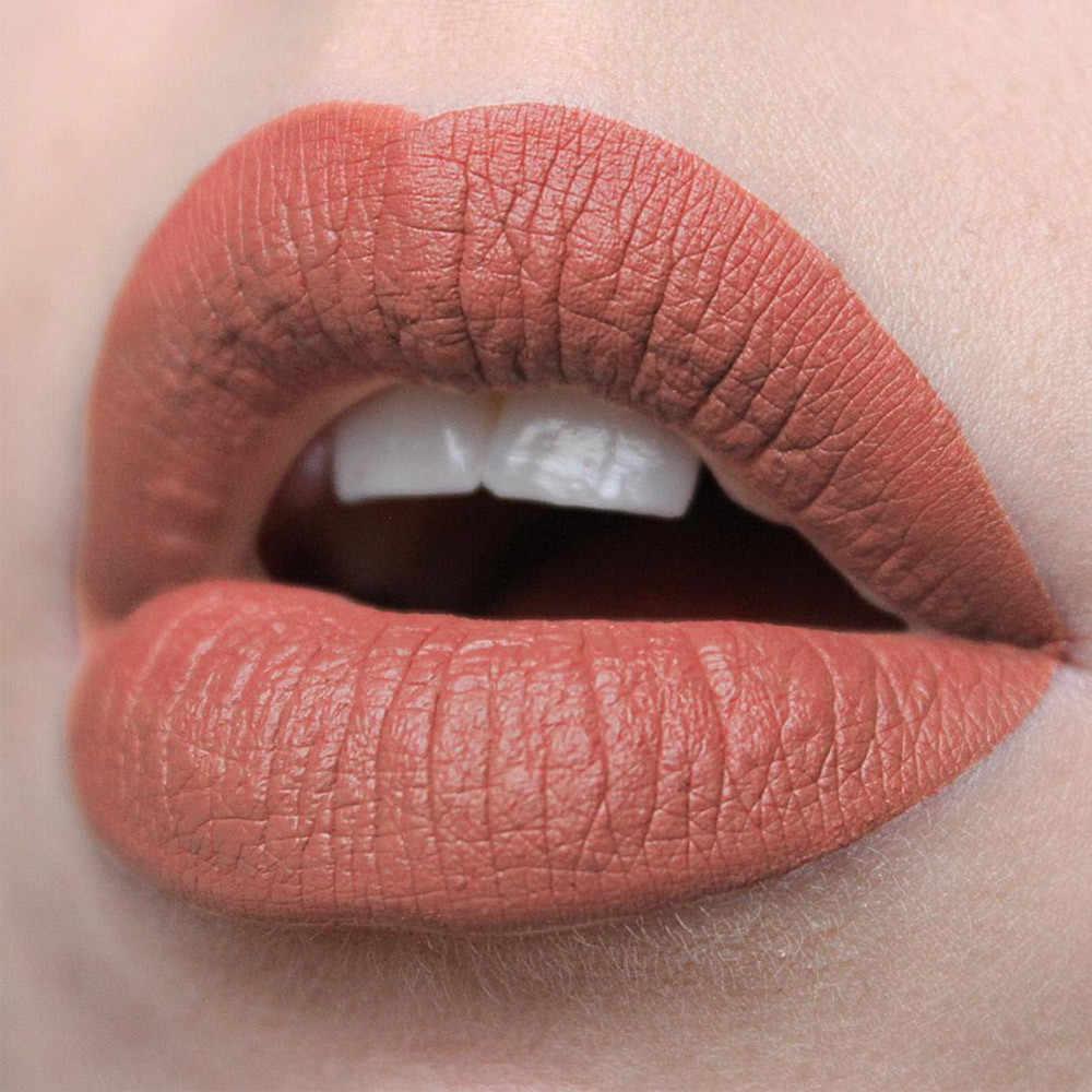5 цветов в макияже, которыми лучше не злоупотреблять