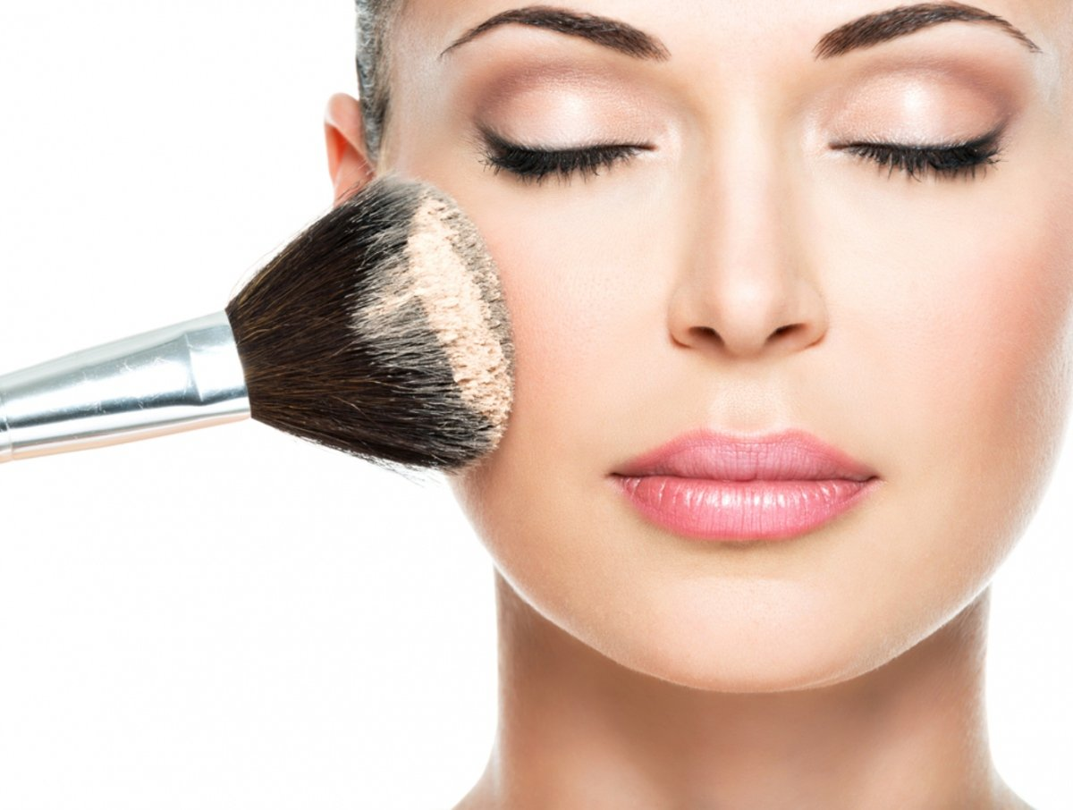 Макияж, как у визажиста: как научиться правильно растушевывать косметику