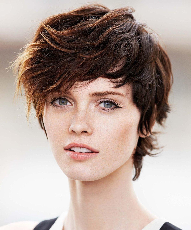 3 стрижки для кудрявых и волнистых волос, которые может позволить себе каждая женщина