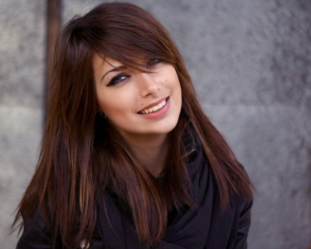 5 советов, как красиво уложить отрастающую чёлку