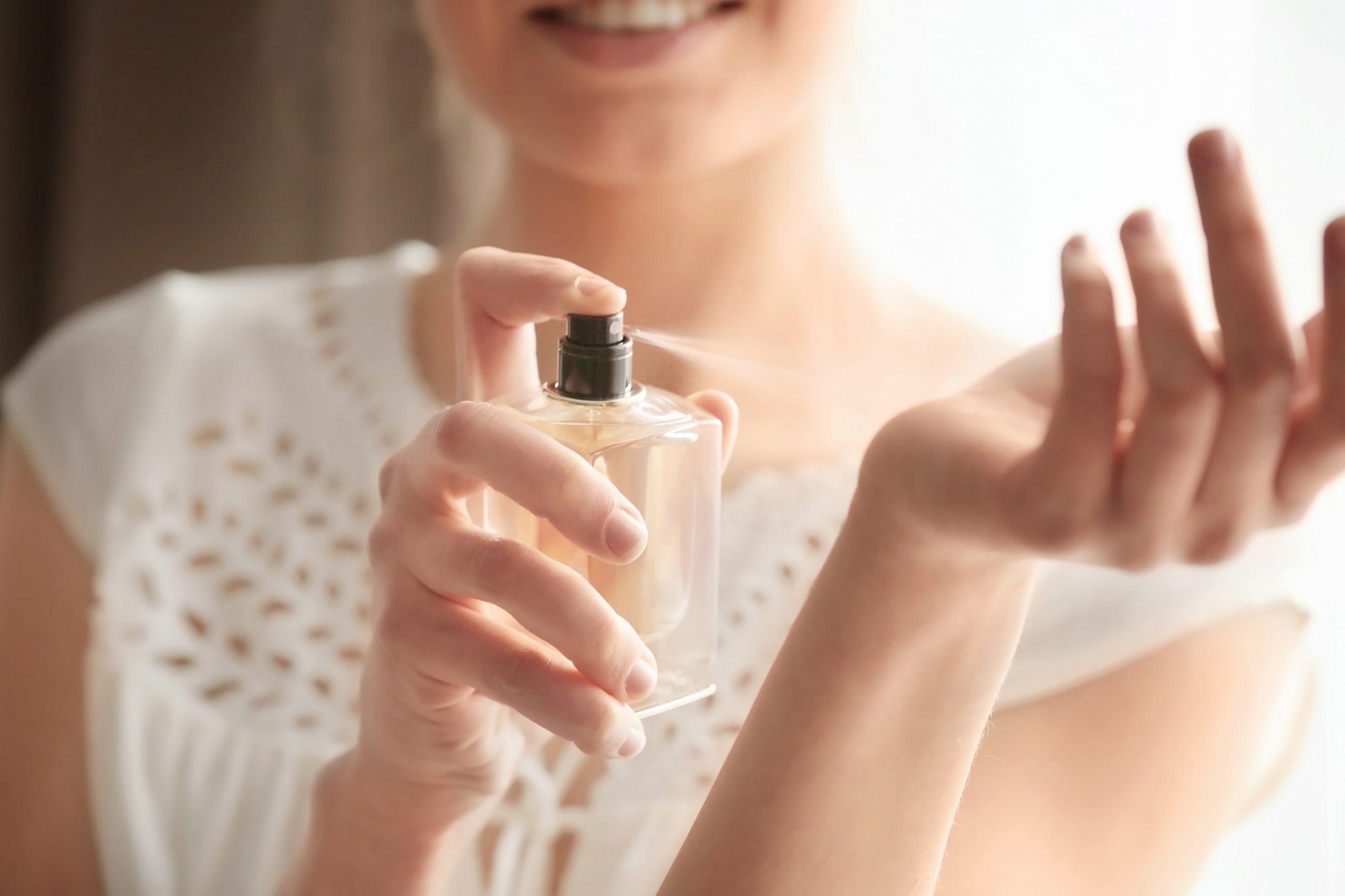 3 частые ошибки, которые многие совершают при нанесении парфюма