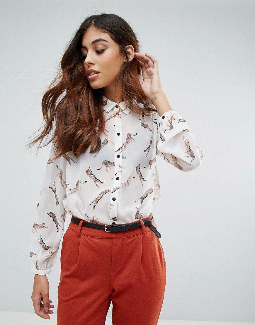 7 примеров трендовых блузок, в которых не стыдно пойти куда угодно