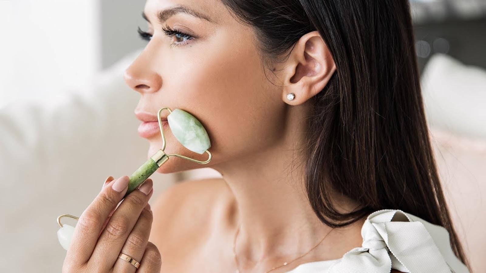 9 бьюти-гаджетов, которые помогут сохранить и продлить молодость кожи