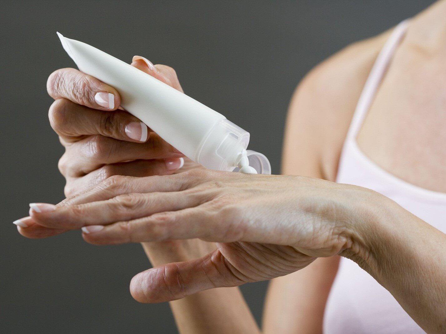 Как правильно выбрать крем для рук на летнее время