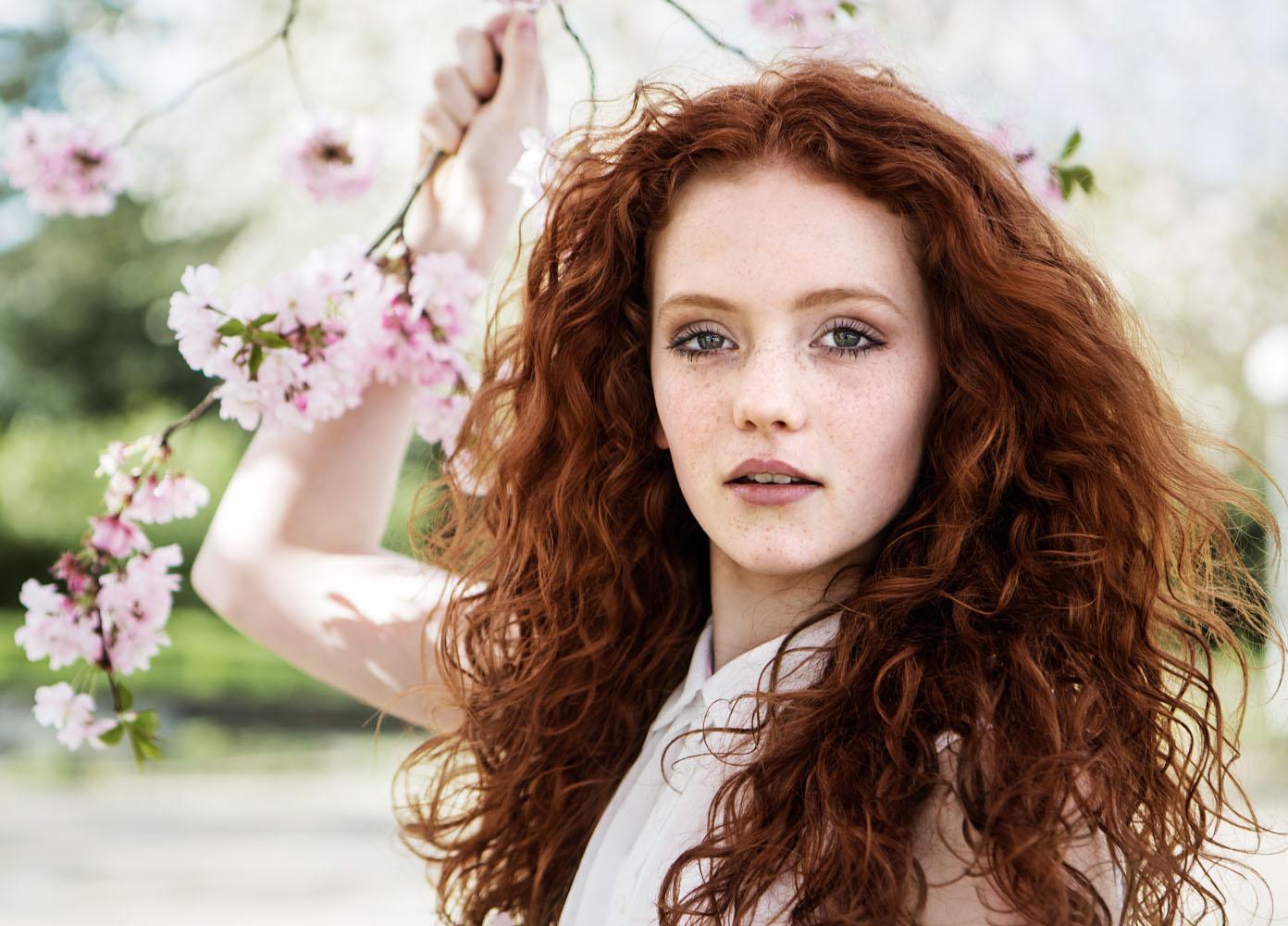 Почему не стоит окрашивать волосы хной и как смыть её цвет с волос