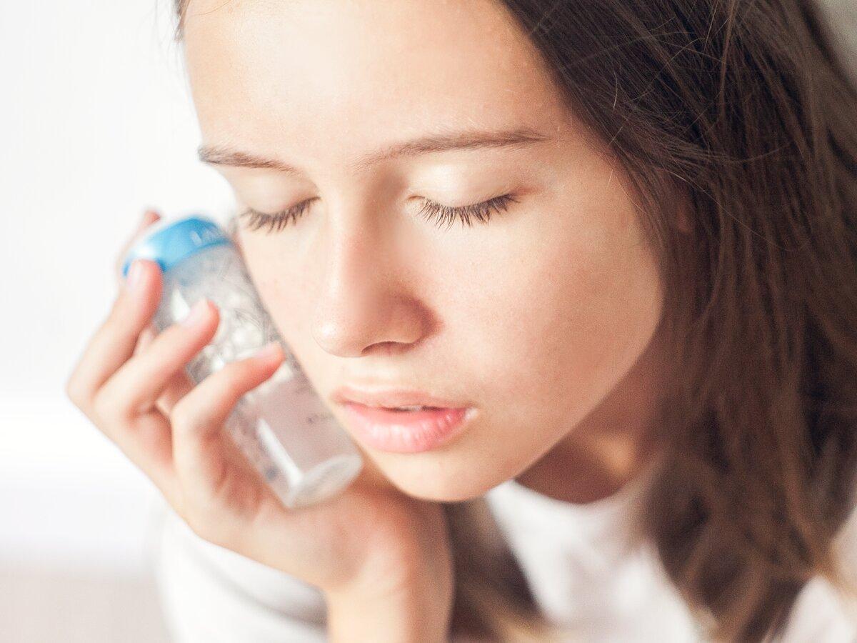 С какими проблемами позволяет бороться мицеллярная вода