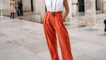 С чем и как носить цветные брюки, чтобы выглядеть стильно
