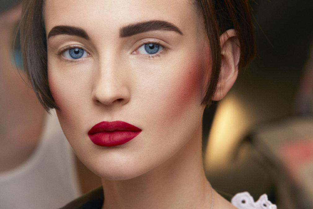3 ошибки в макияже, которые подчёркивают морщины, а не скрывают их