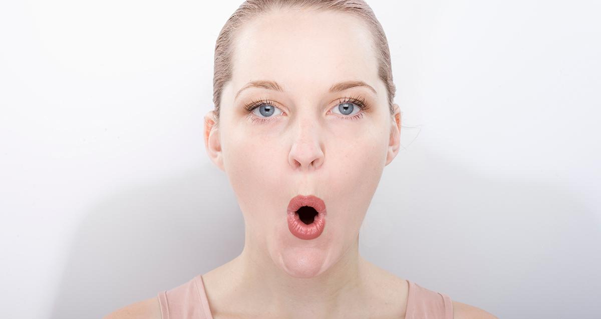Как разгладить морщины на губах и сделать их более упругими