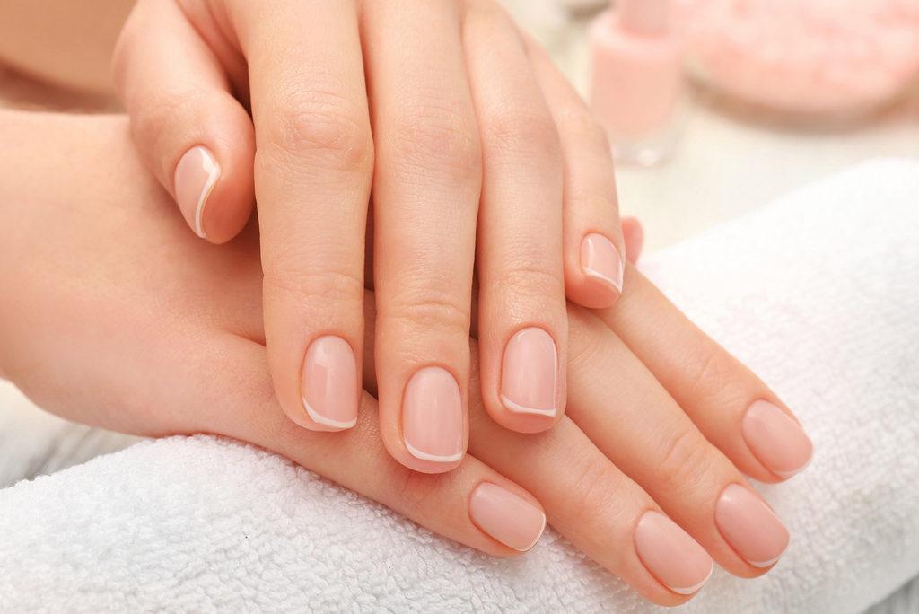 Как быстро избавиться от желтизны ногтей в домашних условиях